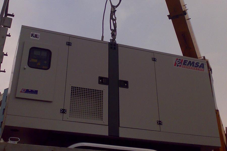 Generator de curent pe trailer EMSA 135 Kva