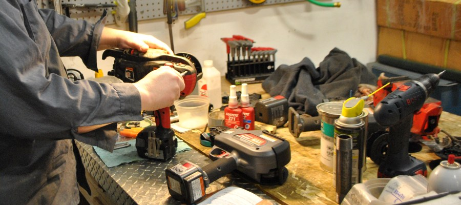 Reparatii scule electrice, echipamente si utilaje profesionale si industriale