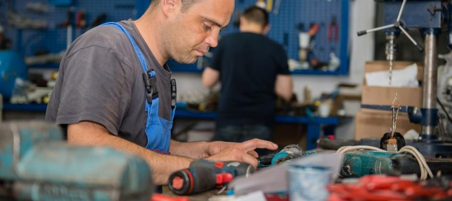 Tehnician mecanic service pentru reparatii