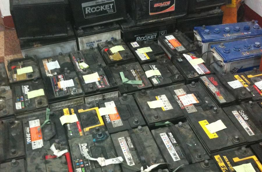 Desulfatarea bateriilor de acumulatori cu plumb
